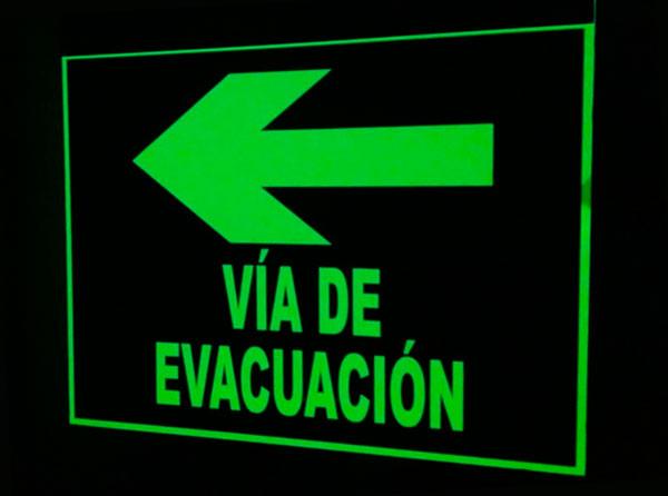 Placas de señalización luminiscentes en Valencia con la homologación necesaria